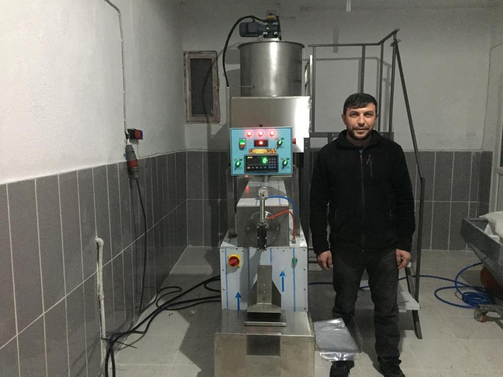 Muhammed Çubukcu -Fondan Arı Yemi Makinesi Kurulumu